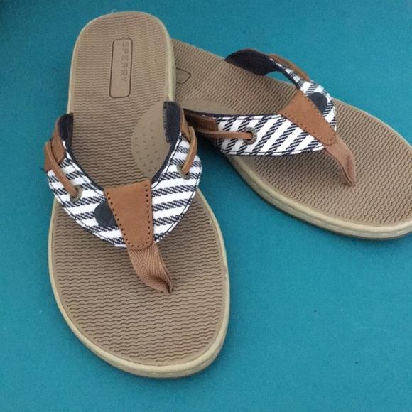 3e1e2393d38 Sperry Top-Sider Seafish Mariner Stripe Flip Flops.  M 5b5771aadcf855ec39fc8c6f